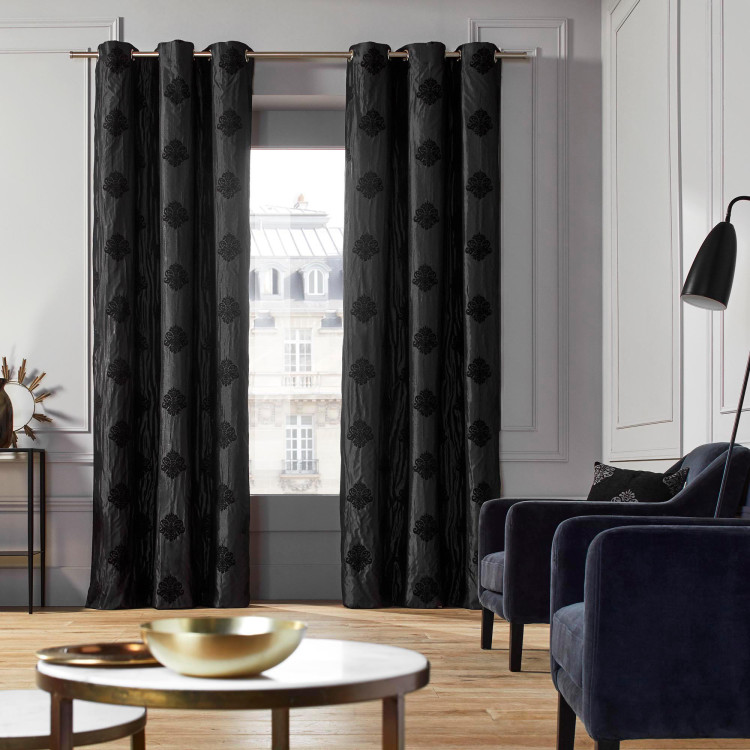 Curtain with grommets Duomo black