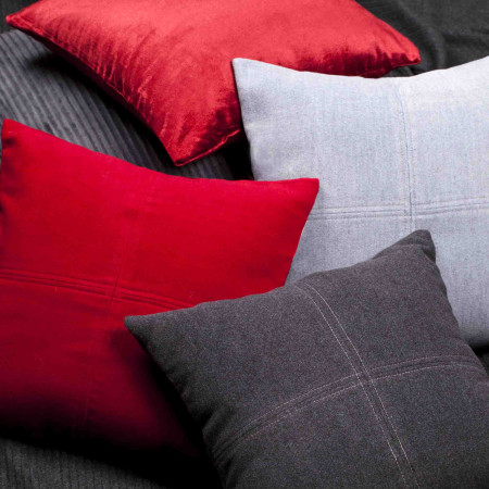 Pillow cover Alpina red