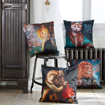 Pillow cover Antique cat multicolor